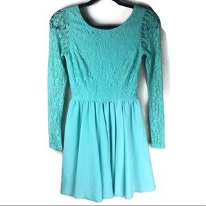 GB Lace Cutout Bow Back Dress Size Small